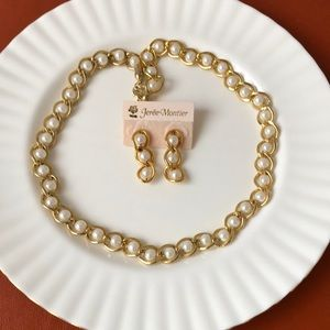 Beautiful gold tone woven pearl necklace and earring set